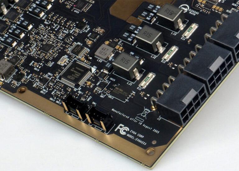 Одна из лучших среди GeForce RTX 3090. Появились фотографии печатной платы модели EVGA Kingpin